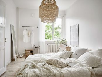 Light-Scandinavian-style-bedroom
